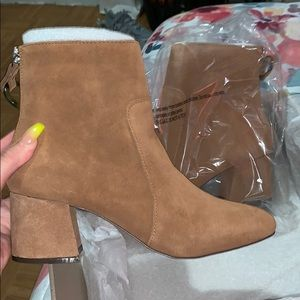 Harlow suede boots